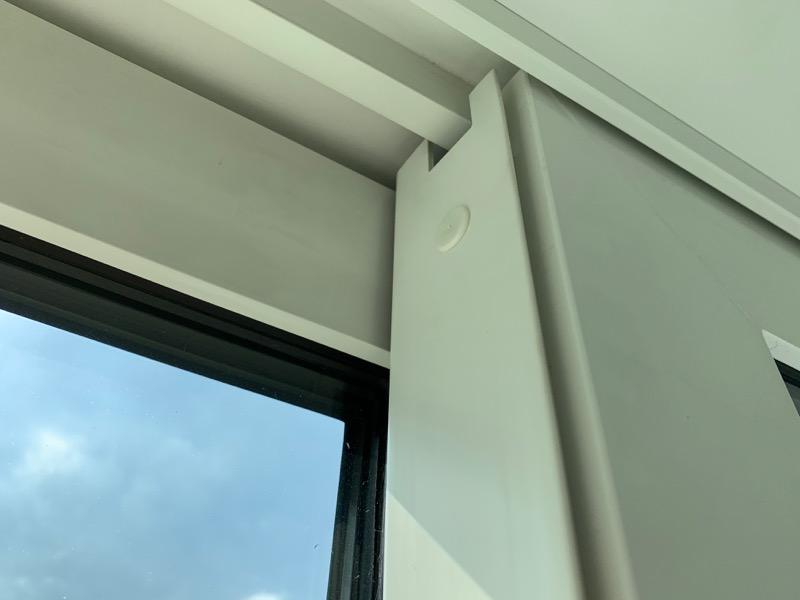 窓サッシの側面外れ_1