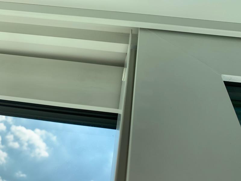 窓サッシの側面外れ_2
