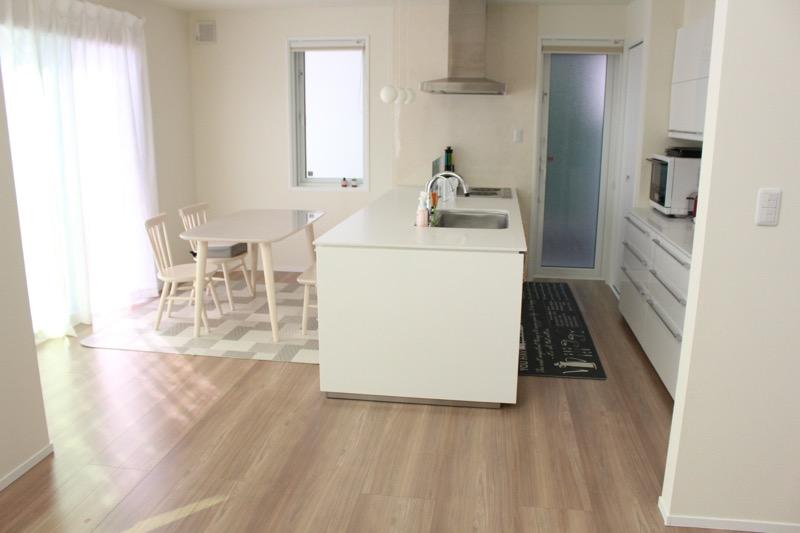 キッチンとダイニング_リビングと別空間