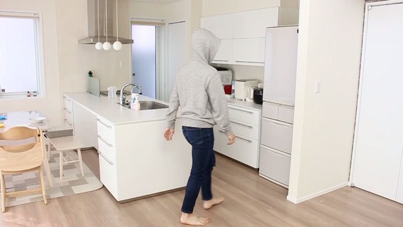 対面ダイニングとキッチンの動線