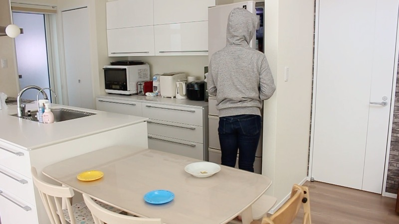 横並びダイニングとキッチンの動線