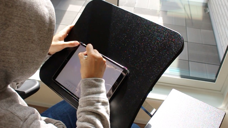 Tatkraftデスク_iPadとPencil