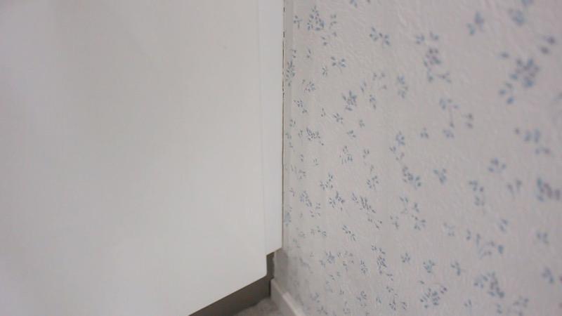 壁紙クロスの亀裂_洗面台横