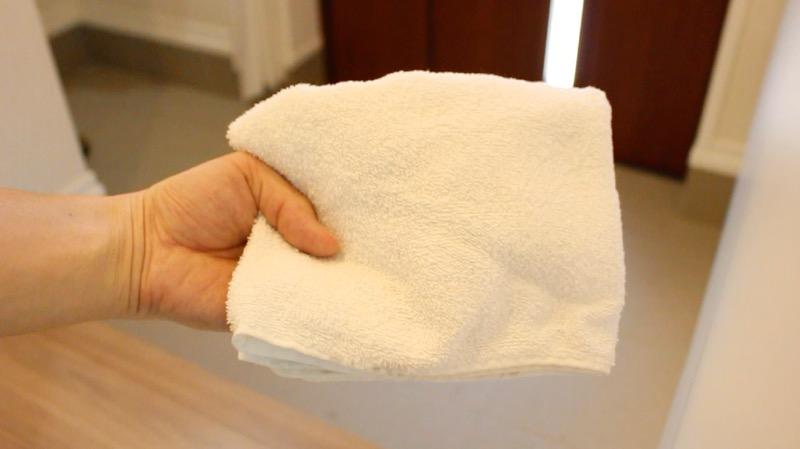 玄関タイル掃除_雑巾
