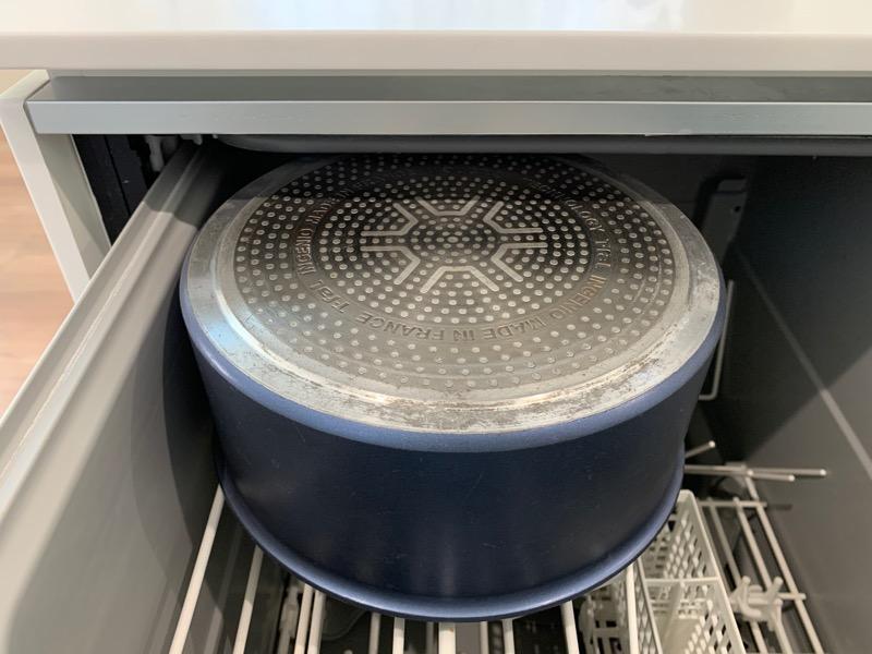 食洗機の入れ方_上部ギリギリまで入れている