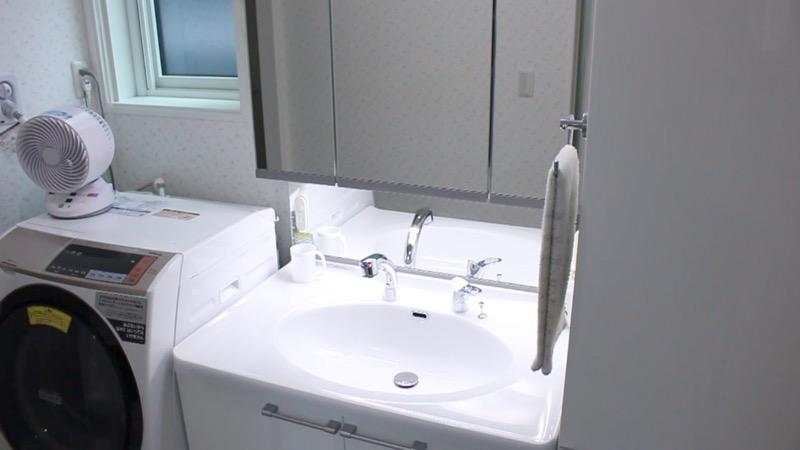 洗面所_洗面台と洗濯機