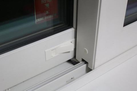 引き違い窓_サブロック