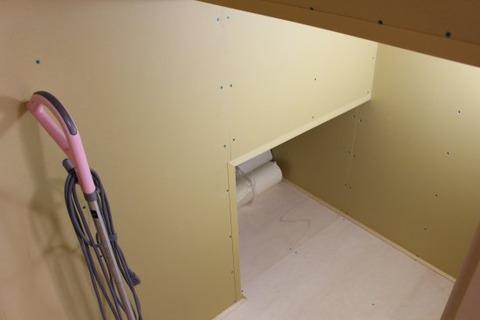 階段下収納2