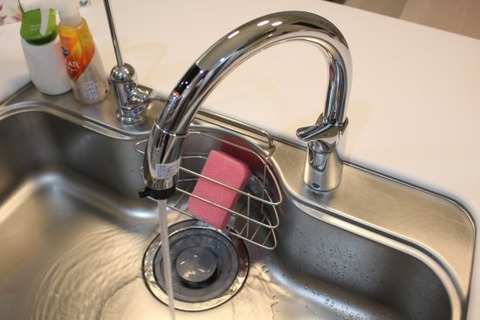 タッチレス水栓_水出る